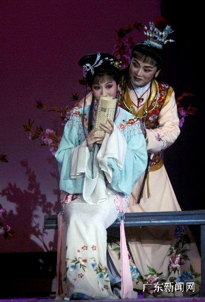 越剧表演艺术家赵志刚、方亚芬表演《红楼梦》片段-中华之星2007