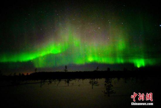 3月最强北极圈极光季转瞬即逝,去往北极的游客收获到了这季最后一波梦幻美丽的极光。随着极地游的火爆,芬兰进入Lonely Planet 2017年最佳旅游目的地三甲之列,飞猪极光游的数据表明,芬兰在极光游目的地排行中跃升到第一位,罗瓦涅米旅游人次增加了4倍。王景春 摄