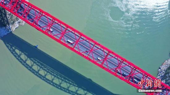 该桥是湖北后续v项目项目和工程库区重大民生墙纸,其顺利通车让三峡移民的意思图片