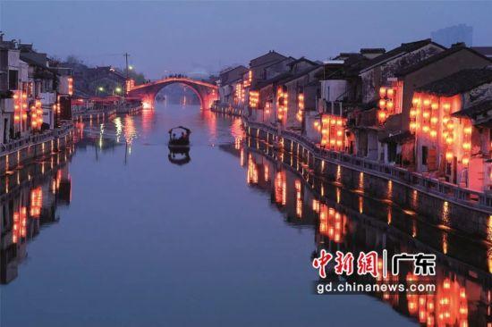 江苏无锡的小桥流水散发出迷人魅力。无锡市文化广电和旅游局 供图