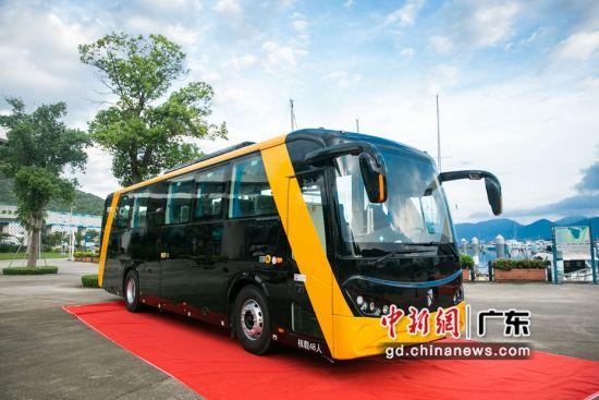 法诺全铝车身纯电动巴士。(法诺供图)