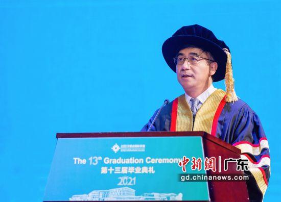 UIC校长、中科院院士汤涛教授寄语毕业生。 作者 杨炜民