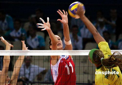 俄罗斯美女加莫娃长腿惊人:爱美所以爱排球图