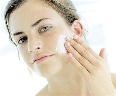 秋季护肤不要频繁洗脸 不同肤质如何补水保湿?