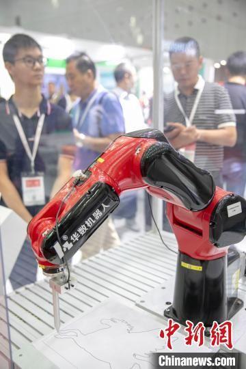 佛山制造业转型:全国每5台机器人1台产于佛山